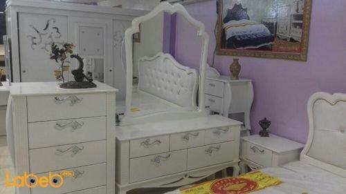 غرفة نوم 7 قطع تسريحة خشب ماليزي لون اوف وايت سرير بمقاس 2*2 متر