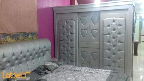 دولاب غرفة نوم 7 قطع خشب ماليزي لون فضي سرير بمقاس 2*2 متر