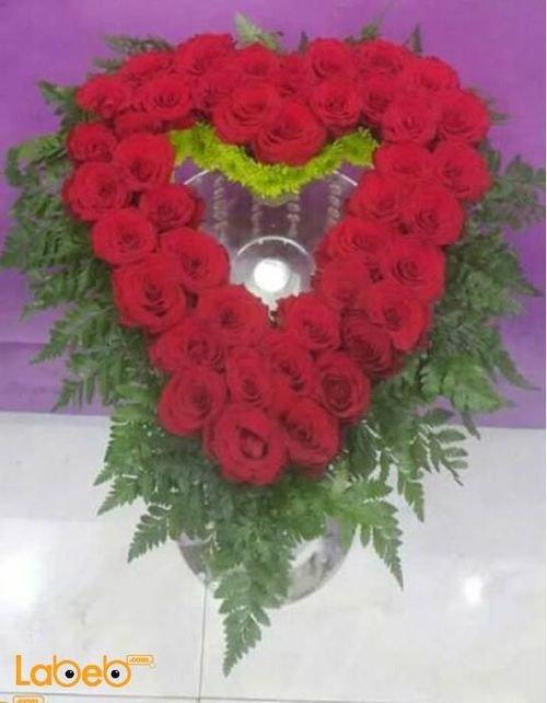 بوكية ورود جوري طبيعية لون أحمر بشكل قلب