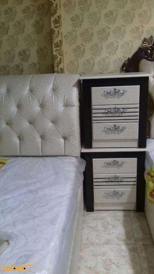 غرفة نوم زوجية 7 قطع خشب ماليزي لون ابيض وأسود سرير 2*2 متر
