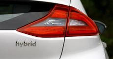ما هي السيارة الهجينة Hybrid Car وما هي عيوبها ومميزاتها؟