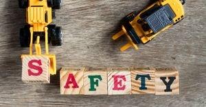 قواعد اختيار الألعاب الآمنة للأطفال حسب المراحل العمرية