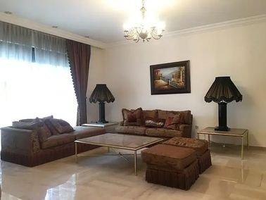 شقة طابق أول للإيجار، 460 متر مربع، جبل عمان، عمان