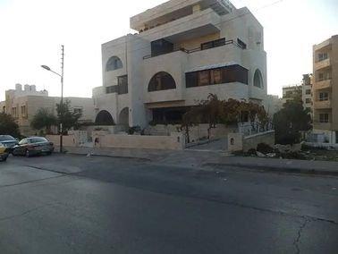عمارة للإيجار، 1500 متر مربع، الصويفية، عمان