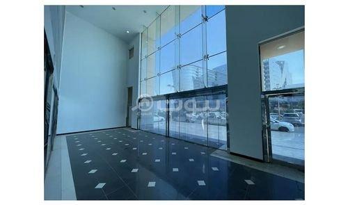 صالة عرض للإيجار، 3515 متر مربع، الزهراء، شمال جدة