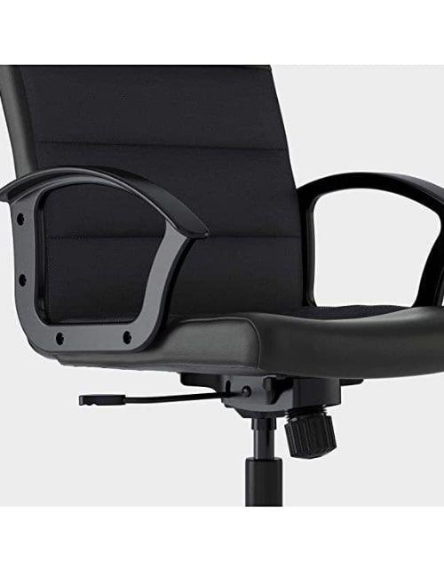 كرسي مكتب من إيكيا، دوار قابل لتعديل الارتفاع، لون أسود