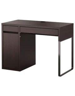مكتب خشبي ميكي من إيكيا، ثلاث وحدات تخزين، مجمع أسلاك، لون أسود بني