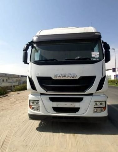 Used IVECO Stralis 450 Tractor Head 2016 for Sale, White color
