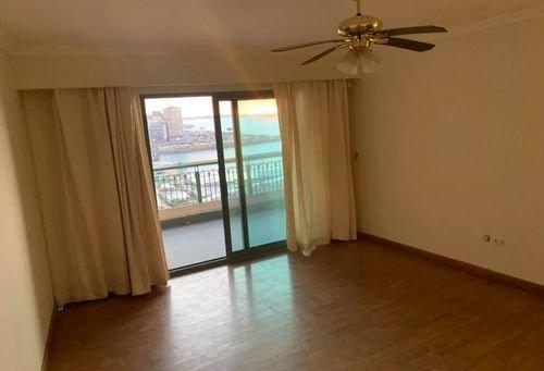 شقة للبيع في الاسكندرية، 310 متر مربع، حي شرق، سان ستيفانو
