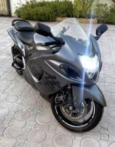 Suzuki Hayabusa Motorcycle 2020 Used, 1340cc, Gray color