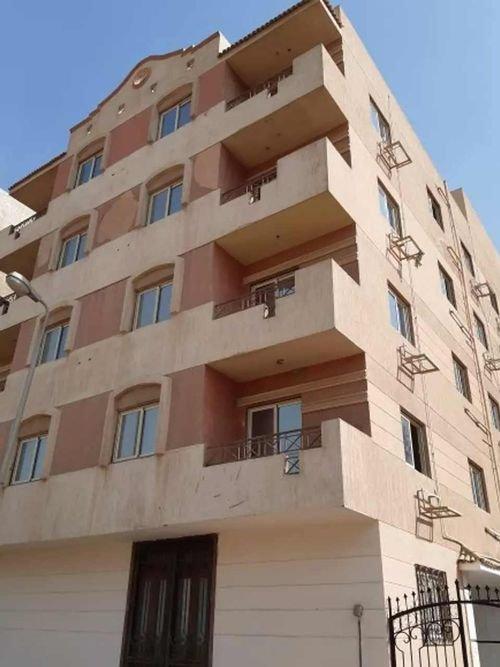 عمارة للإيجار في القاهرة، 1500 متر مربع، حي المعادي، زهراء المعادي