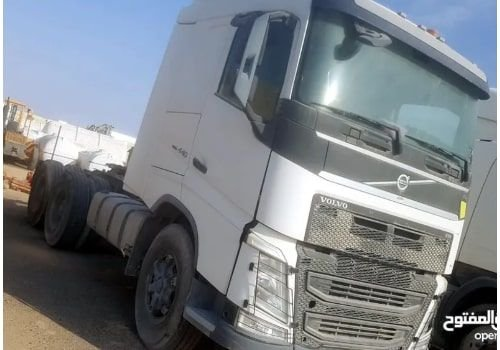 رأس شاحنة فولفو FH 440 6X4 موديل 2015 مستعمل للبيع، أبيض
