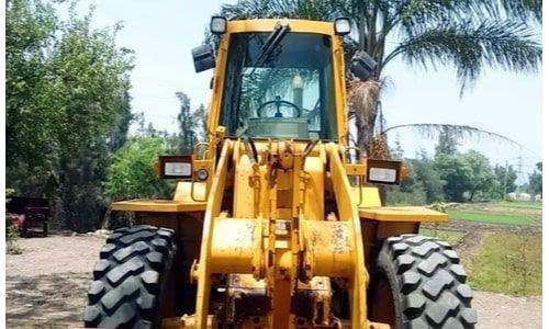 Caterpillar bulldozer 910E 1992 used, yellow color