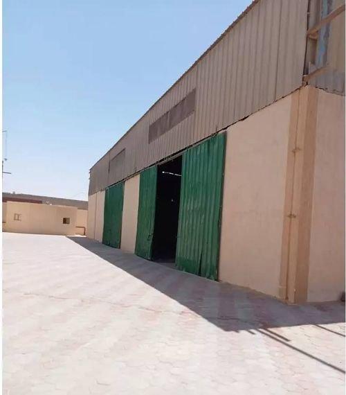 مخزن أو معرض للبيع في القاهرة الجديدة، 4100 متر مربع، القطامية، شارع الأمل